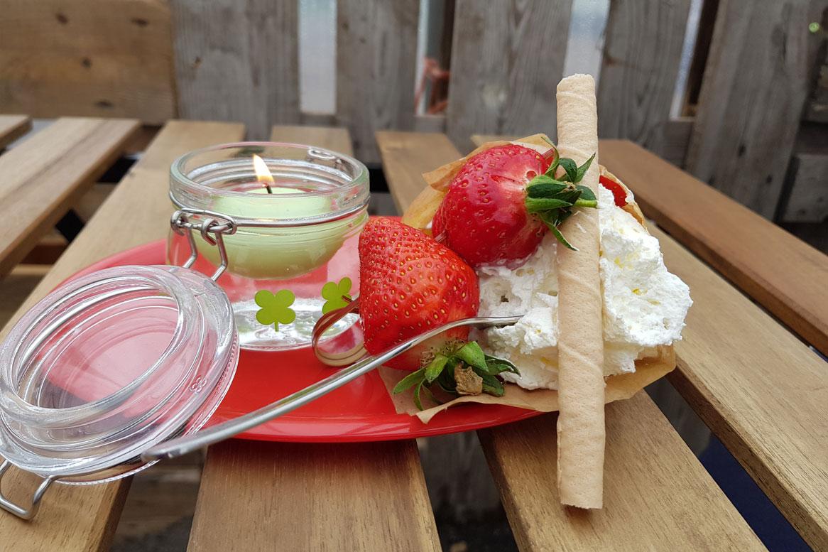 Waffel mit Erdbeer